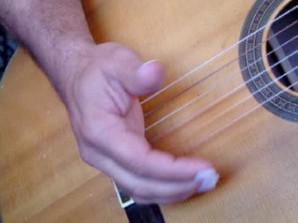 How To - Use Damping On Guitar Strings...