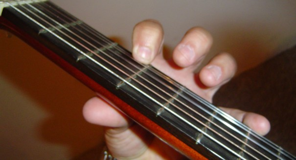 How To - Achieve Correct Left Hand Guitar Technique...